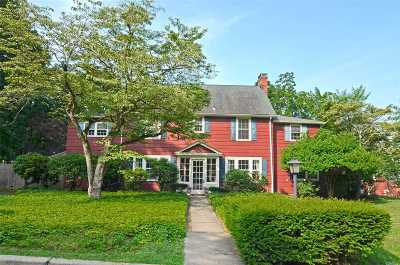 Port Washington Single Family Home For Sale: 2 Shoreview Rd