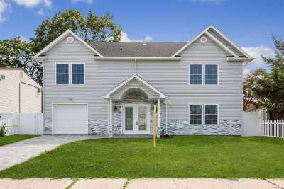 Levittown Single Family Home For Sale: 12 Orchid Rd