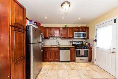 Long Beach Multi Family Home For Sale: 326 E Bay Dr