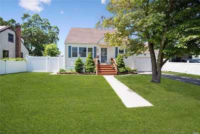 Lindenhurst Single Family Home For Sale: 180 S Broome Ave