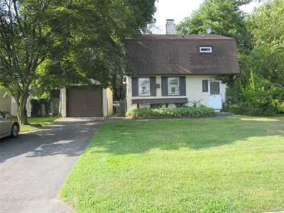 Roslyn Heights Single Family Home For Sale: 45 Hickory Ln