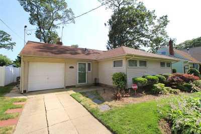 Oceanside Single Family Home For Sale: 6 Marshall St