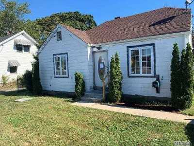 Pt.jefferson Sta Single Family Home For Sale: 705 Patchogue Rd
