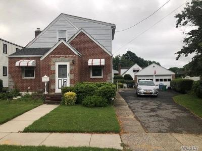New Hyde Park Single Family Home For Sale: 506 S 9th St