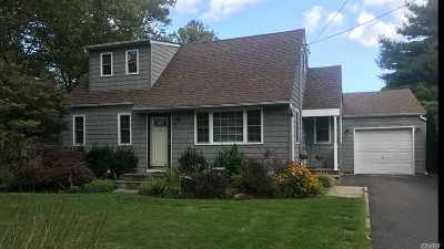 Huntington Single Family Home For Sale: 80 Lodge Ave