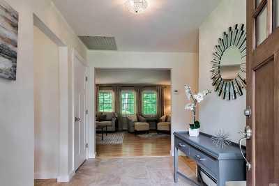 Huntington Single Family Home For Sale: 30 Cove Rd