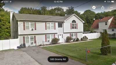 Medford Single Family Home For Sale: 585 Granny Rd