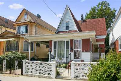Jamaica Single Family Home For Sale: 115-20 159th St