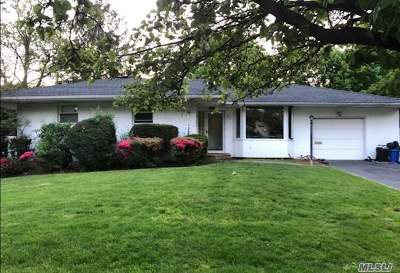 Single Family Home For Sale: 27 Hedgerow Ln