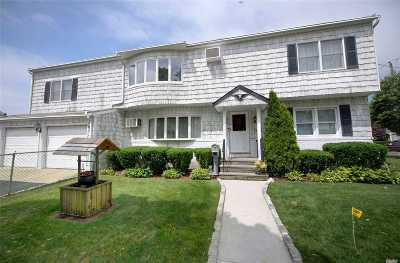 Massapequa Single Family Home For Sale: 1119 N Baldwin Dr