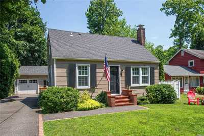 Stony Brook Single Family Home For Sale: 8 Knoll Top Rd