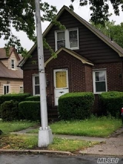 Fresh Meadows NY Single Family Home For Sale: $769,000