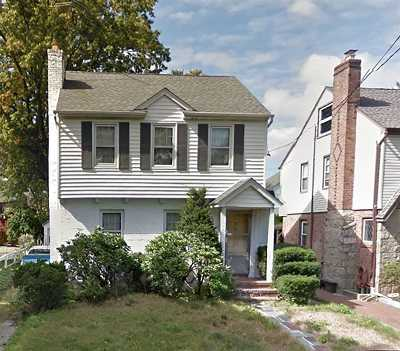 Great Neck NY Single Family Home For Sale: $699,000