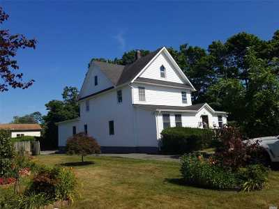 Patchogue Single Family Home For Sale: 65 Maple Ave