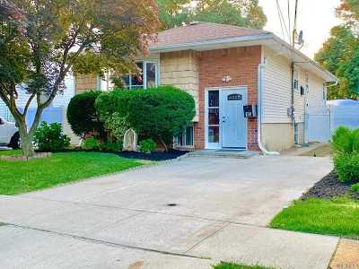 Nassau County Single Family Home For Sale: 15 Acacia Ave