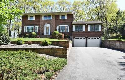 Kings Park Single Family Home For Sale: 24 Melody Ln