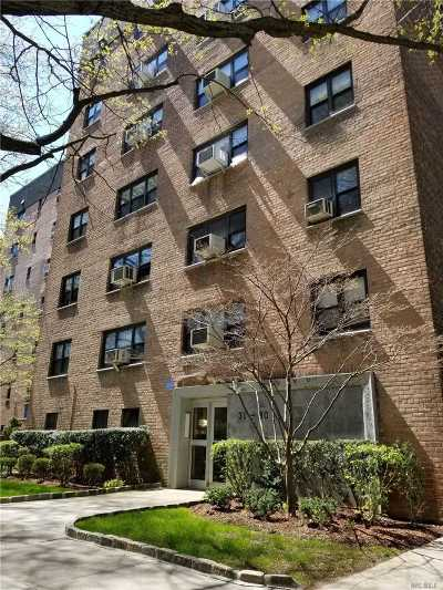 Brooklyn, Astoria, Bayside, Elmhurst, Flushing, Forest Hills, Fresh Meadows, Jackson Heights, Kew Gardens, Long Island City, Middle Village, Rego Park, Ridgewood, Sunnyside, Woodhaven, Woodside Co-op For Sale: 31-30 138th St #1-F