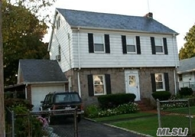Nassau County Single Family Home For Sale: 16 Taft Ave