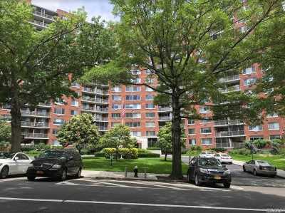 Brooklyn, Astoria, Bayside, Elmhurst, Flushing, Forest Hills, Fresh Meadows, Jackson Heights, Kew Gardens, Long Island City, Middle Village, Rego Park, Ridgewood, Sunnyside, Woodhaven, Woodside Co-op For Sale: 220-55 46 Ave #6F