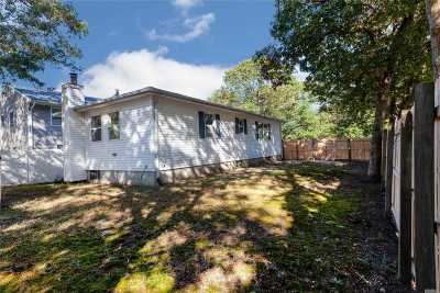 Medford Single Family Home For Sale: 232 Buffalo Ave
