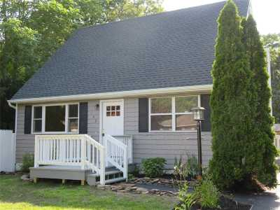 Bellport Single Family Home For Sale: 140 New Jersey Ave