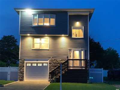 Babylon Single Family Home For Sale: 25 Sheridan Rd