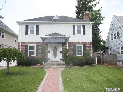 Baldwin Single Family Home For Sale: 2390 Gale Ave