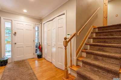 Shoreham Single Family Home For Sale: 17 Suffolk Down