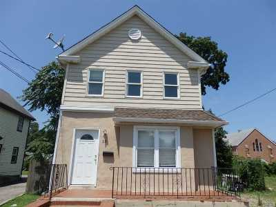 Nassau County Single Family Home For Sale: 33 Maple Ave