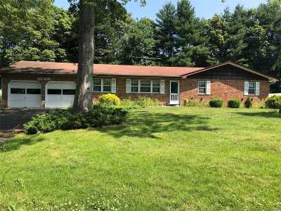 Nesconset Single Family Home For Sale: 23 Burgundy Ln