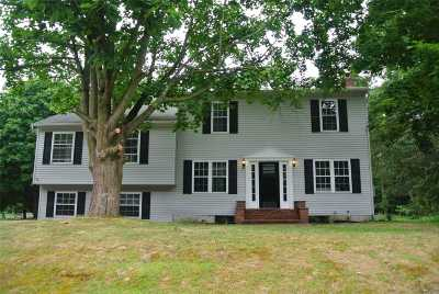 Manorville Single Family Home For Sale: 108 Barnes Rd