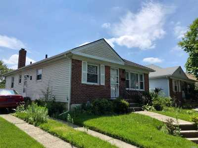 Whitestone Single Family Home For Sale: 157-54 19th Ave