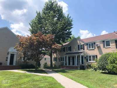 Bayside Condo/Townhouse For Sale: 67-36 223 Pl #A