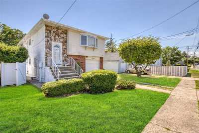 Valley Stream Single Family Home For Sale: 150 Dean St