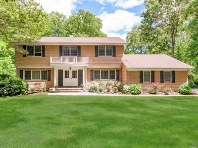 Dix Hills Single Family Home For Sale: 8 Melrose Ct
