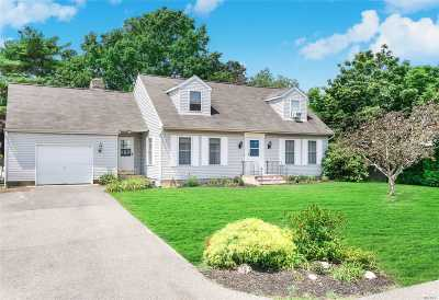 East Moriches Single Family Home For Sale: 28 Benjamin Ave