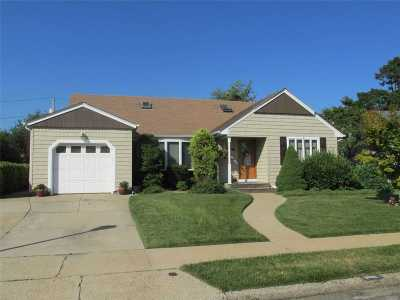 Nassau County Single Family Home For Sale: 3703 Crest Rd