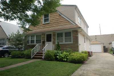 Nassau County Single Family Home For Sale: 110 N 7th St