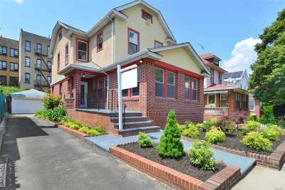 Brooklyn Single Family Home For Sale: 900 E 21st St