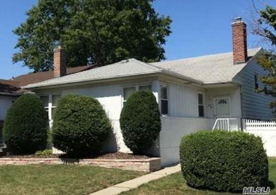 Bayside Single Family Home For Sale: 20941 30th Ave