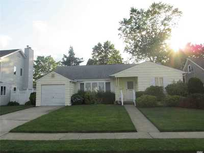 Nassau County Single Family Home For Sale: 1252 Campbell Rd