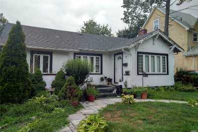 Queens County Single Family Home For Sale: 190-47 111th Ave