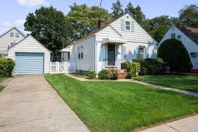 Nassau County Single Family Home For Sale: 81 Cornwell Ave