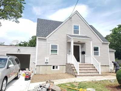 Suffolk County Single Family Home For Sale: 537 Mount Ave