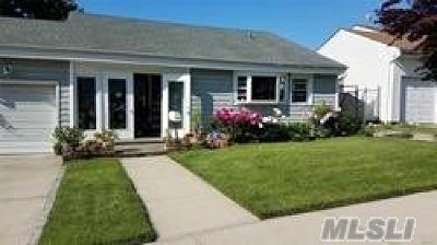 Floral Park Single Family Home For Sale: 70-18 E 266 St