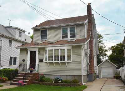 Bayside Single Family Home For Sale: 3357 213th St