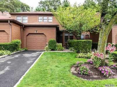 Jericho Condo/Townhouse For Sale: 91 Hunt Dr
