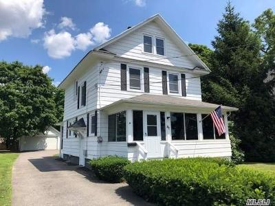 Bay Shore Single Family Home For Sale: 37 Oakland Ave