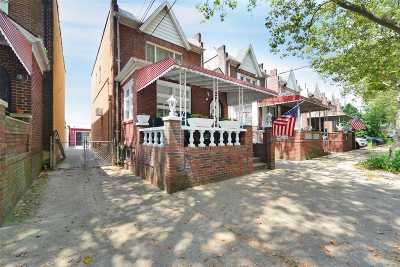 Maspeth Single Family Home For Sale: 5236 62nd St