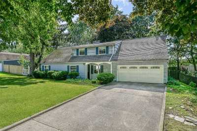 Farmingville Single Family Home For Sale: 58 S Howell Ave